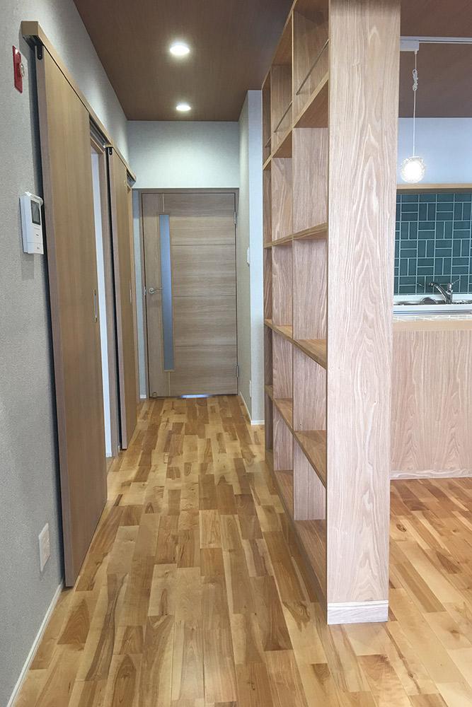 引戸を多用することで、空間を有効に使える設計にしています。