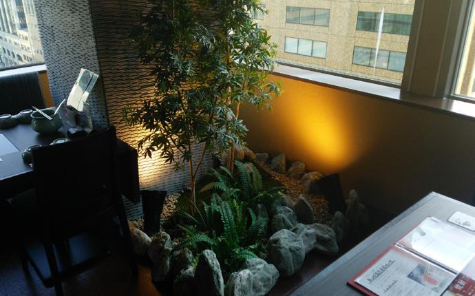 和風庭園を設置しグリーンを取り入れた空間