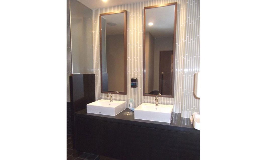 トイレも清潔さと豪華さをもっています。