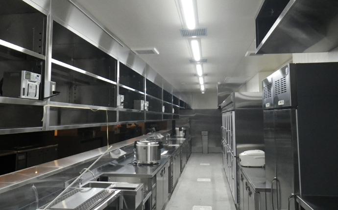 整然と並んだ厨房器具で使い勝手UP!