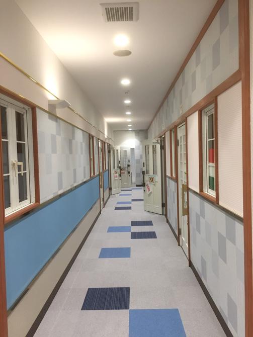 廊下も明るい雰囲気で楽しい時間をもっと楽しく!