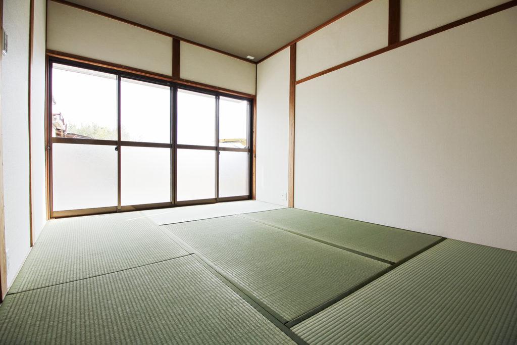 繋がっていた和室2室を区切り、6帖の和室のみにしました。
