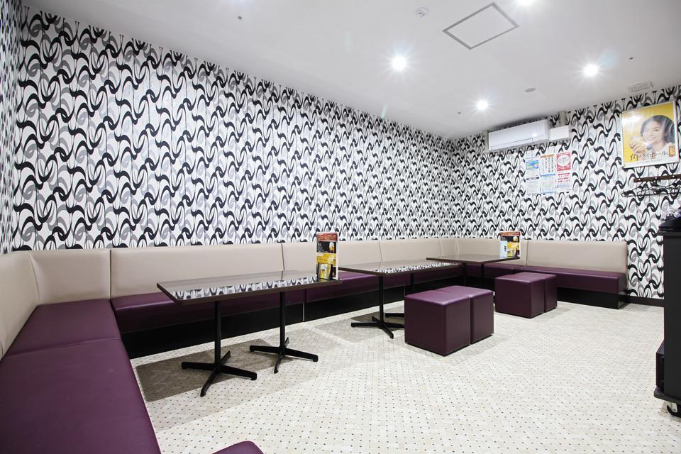 VIPルームは広くて明るく、ゆったり出来る空間になっています