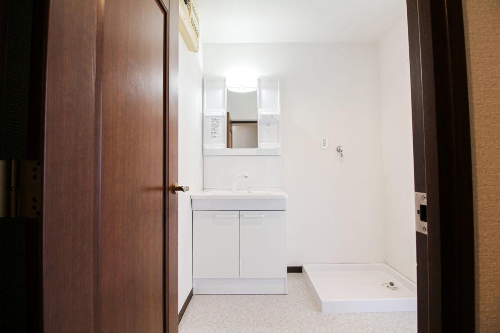 洗面化粧台はTOTOのVシリーズそ使用しています。